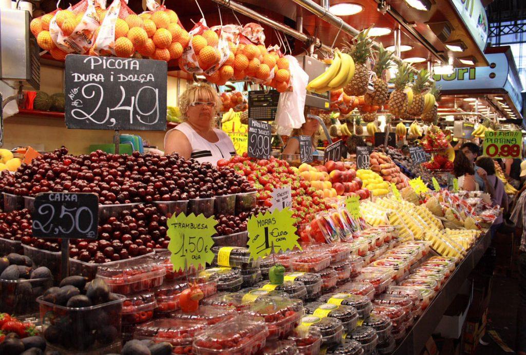 I mercati della frutta pi economici di barcellona - Il mercato della piastrella moncalieri orari ...